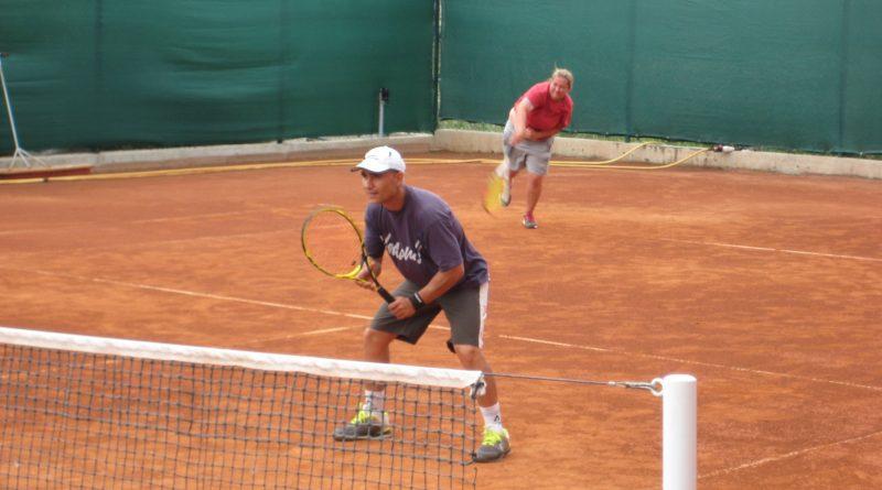 Тренировки по тенис за възрастни в Бургас